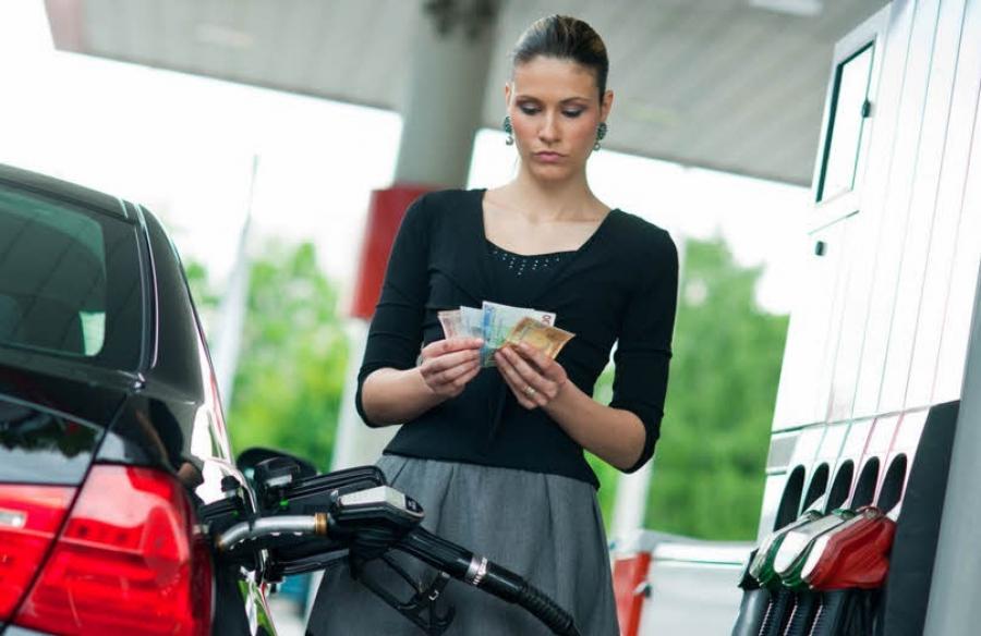 На 2 рубля выросли акцизы на бензин
