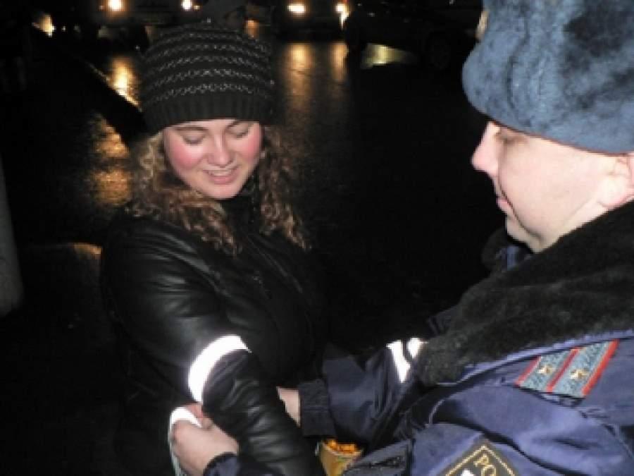 Пешеходов обяжут носить светоотражающие элементы на дорогах в ночное время