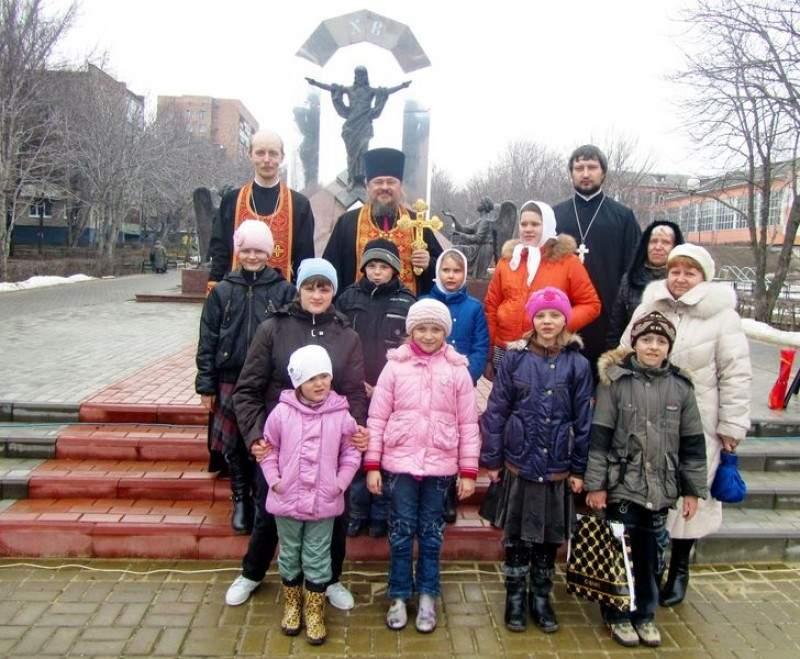 Пасхальный визит юных хорловчан