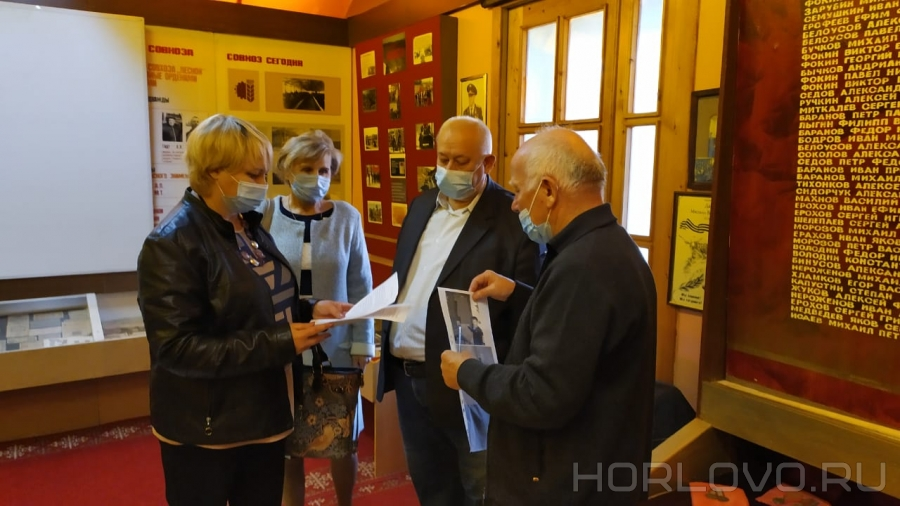 Воскресенские краеведы с рабочим визитом в музее Чемодуровской школы