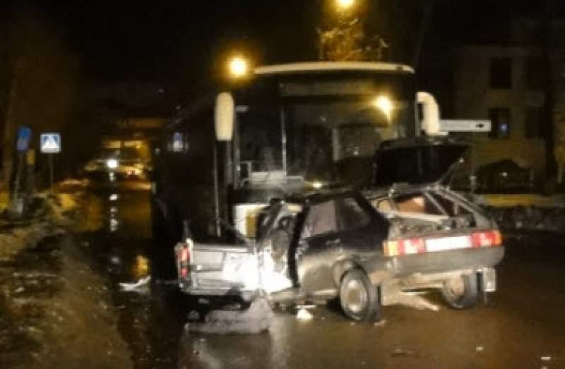 Погиб на месте при столкновении с автобусом