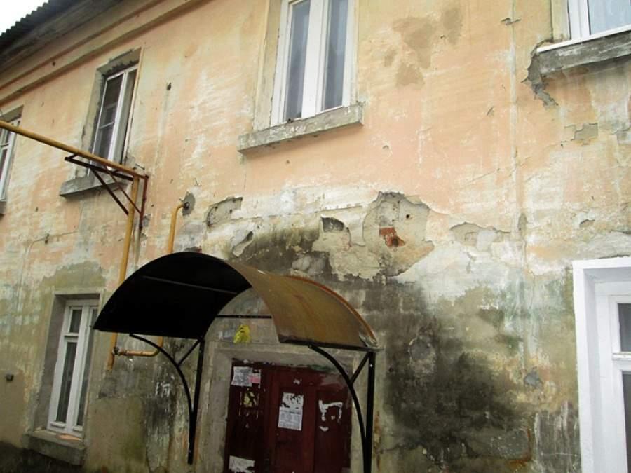 Судьба ветхих домов в селе Барановское ждёт решения